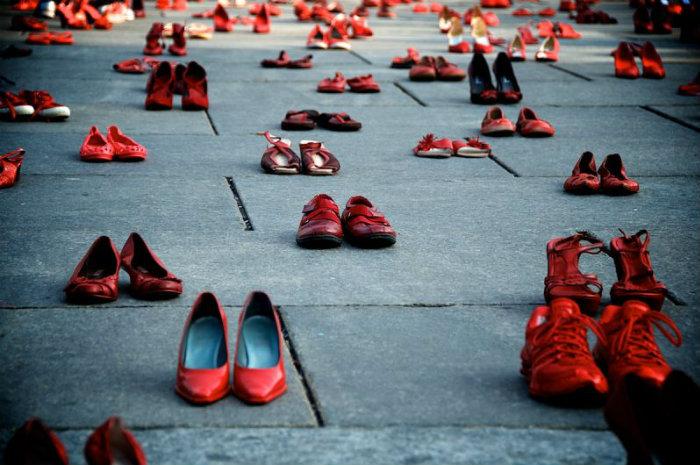 scarpe-rosse-violenza-contro-donne